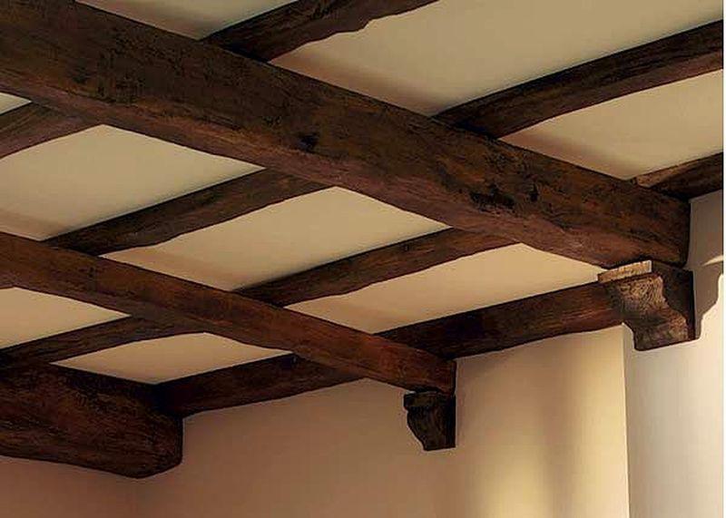 Декоративные потолочные балки. Снова на пике популярности