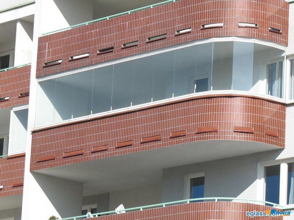 Преимущества и недостатки безрамного остекления балконов и лоджий