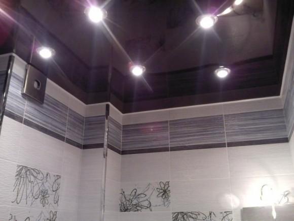 Точечное освещение в ванной комнате
