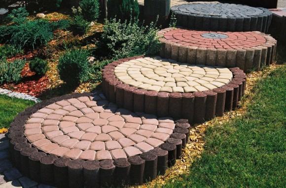Тротуарная плитка на загородном участке